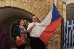 V ulicích Betléma jsme objevili naši vlajku a zazpívali jsme zde hymnu
